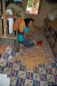 Girl Packaging Cinnamon Sticks for Sale